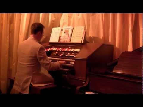 The Cinema Organ Society visit Victoria House