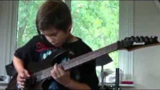Малой нериально играет на гитаре   Children of Bodom Trashed  Lost and Strungout(Малой нериально играет на гитаре Children of Bodom Trashed Lost and Strungout игра на гитаре видео., 2011-02-20T15:51:31.000Z)