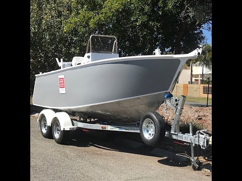 BRAND NEW 2018 NOBLE 5.2M SIDE CONSOLE BOAT