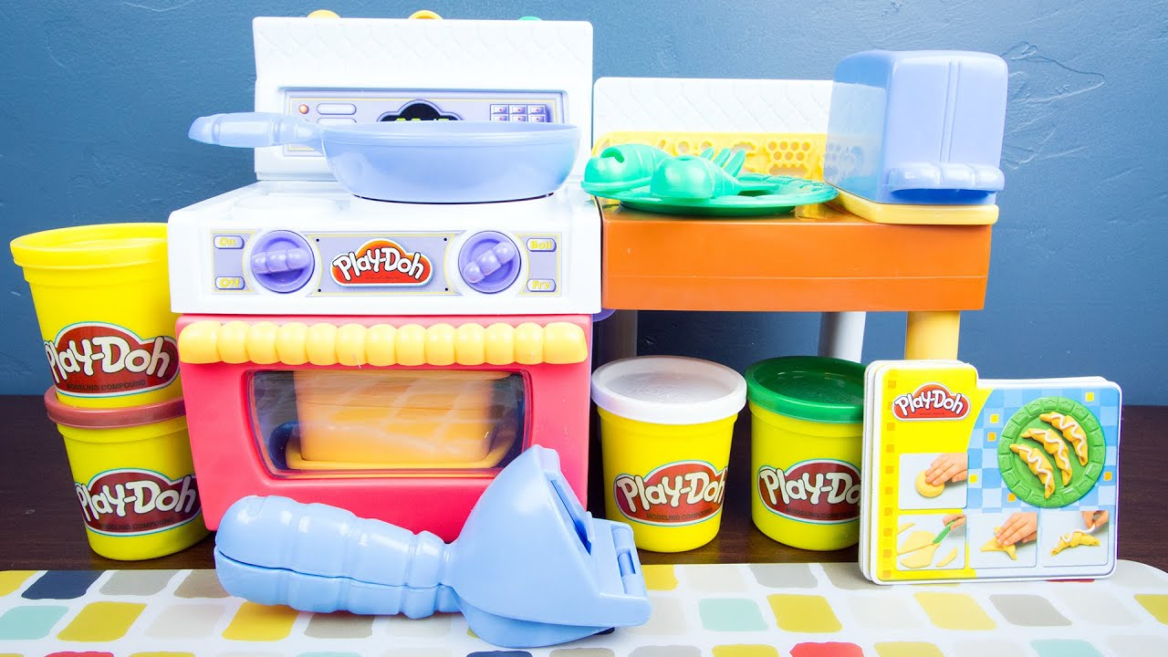 Play-Doh Meal Makin' Kitchen Play Doh Food! - YouTube