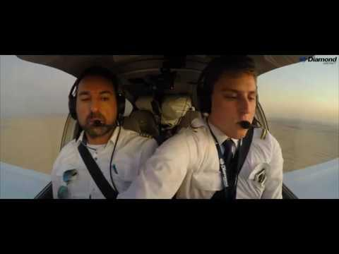 November Heat - A Training Flight in a Diamond Aircraft DA40 NG to Dubai Airshow 2019 *TRAILER*