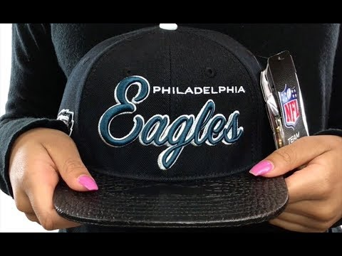 Eagles  SCRIPT SUPER BOWL LII STRAPBACK  Black Hat by Pro Standard ... 11e6bd18c2bf
