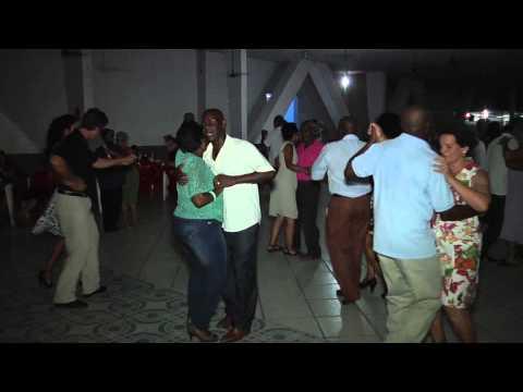 Paz e Harmonia 3ª Idade em Paraíba do Sul RJ bailão com João Luis. Parte 02.