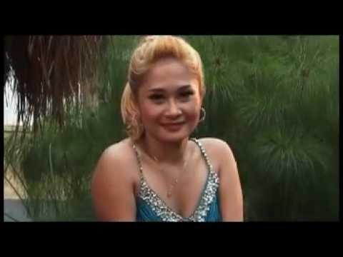 Ana deCat - Penjahat Cinta _ Original VKlip