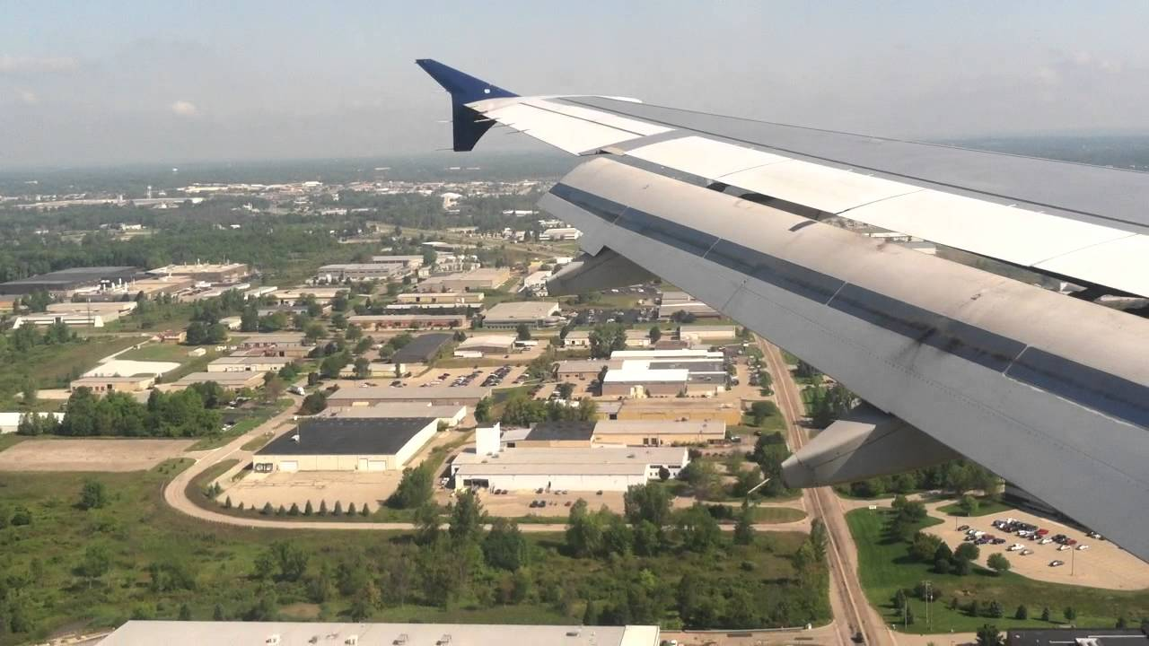 Landing At Gerald R Ford International Airport Youtube