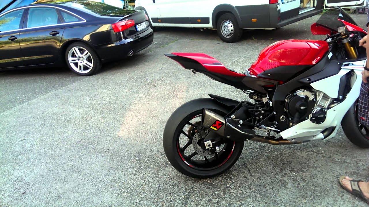 Yamaha R1 2015 Akrapovic