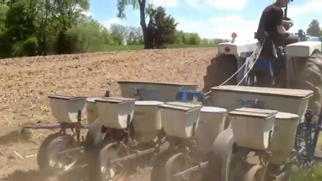 Planting Corn 14 W Ford 5000 Ford 352 4 Row Youtube