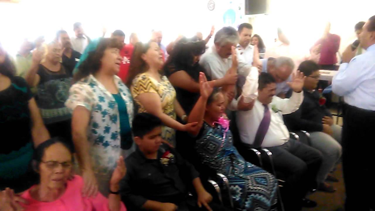 Orando por la familia pastoral YouTube