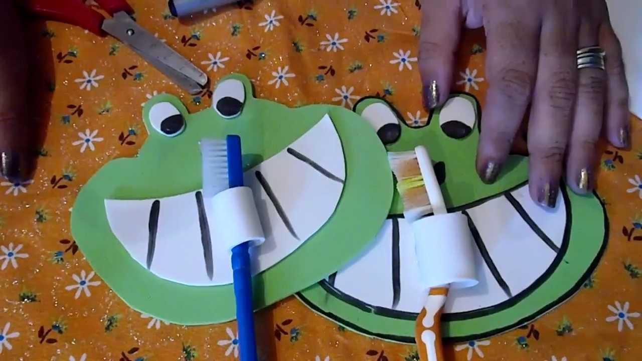Emoticono de Cara Sonriente decoraci/ón del hogar Hangqiao Bonito Soporte para cepillos de Dientes con Ventosa para Pared del ba/ño