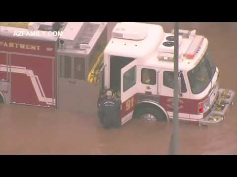 Motorists rescued from flooded Phoenix streets