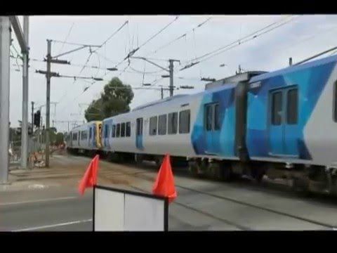 Burke Road Gardiner - Last Day of Level Crossing