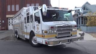 Denver Fire Engine 11 & Rescue 1 Responding