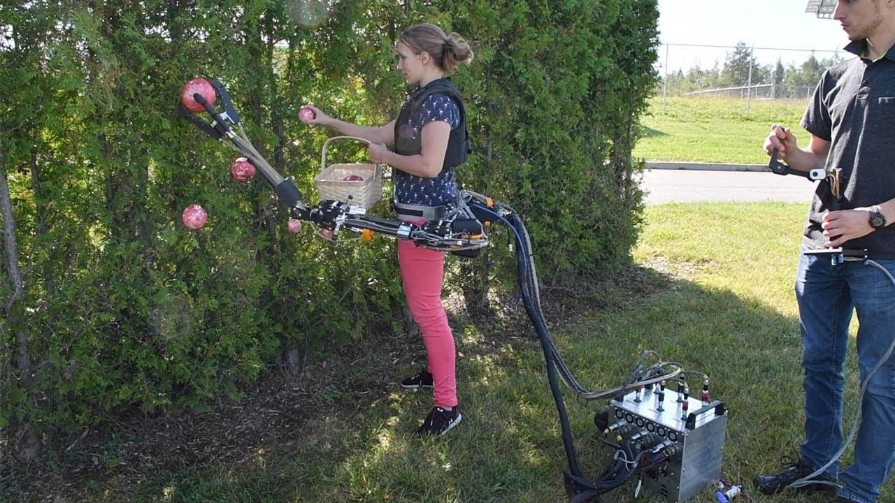 Inventors make Robot Arm to help with Tasks
