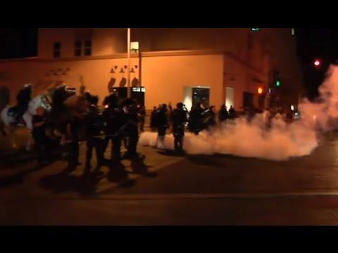 Protesters go wild at Anti-Trump rally in New Mexico