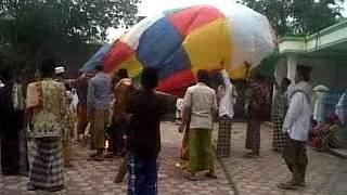 peluncuran balon udara dari kertas...