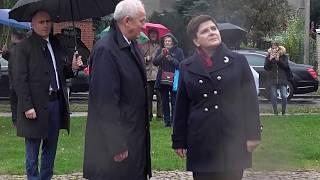 Siedlce.  Premier B. Szydło.   Pod pomnikiem.   25.10.2017r.