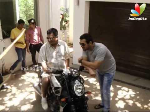 John Abraham Gifts His Yamaha Bike To Sanjay Gupta | Bollywood Movie | John Abraham, Tusshar