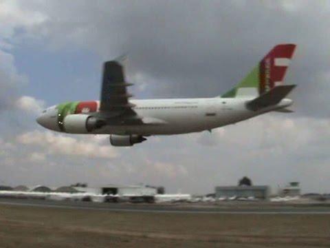 airbus 310 roza el ala con el suelo