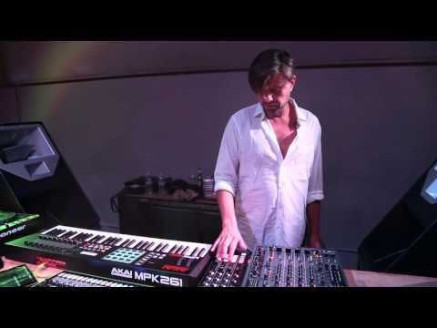 How I Play: Rodriguez Jr. Interview + Live Rig Walkthrough