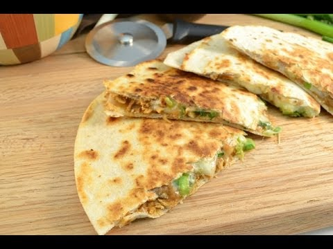 How To Make Quesadillas Chicken Quesadillas Recipe Radacutlery