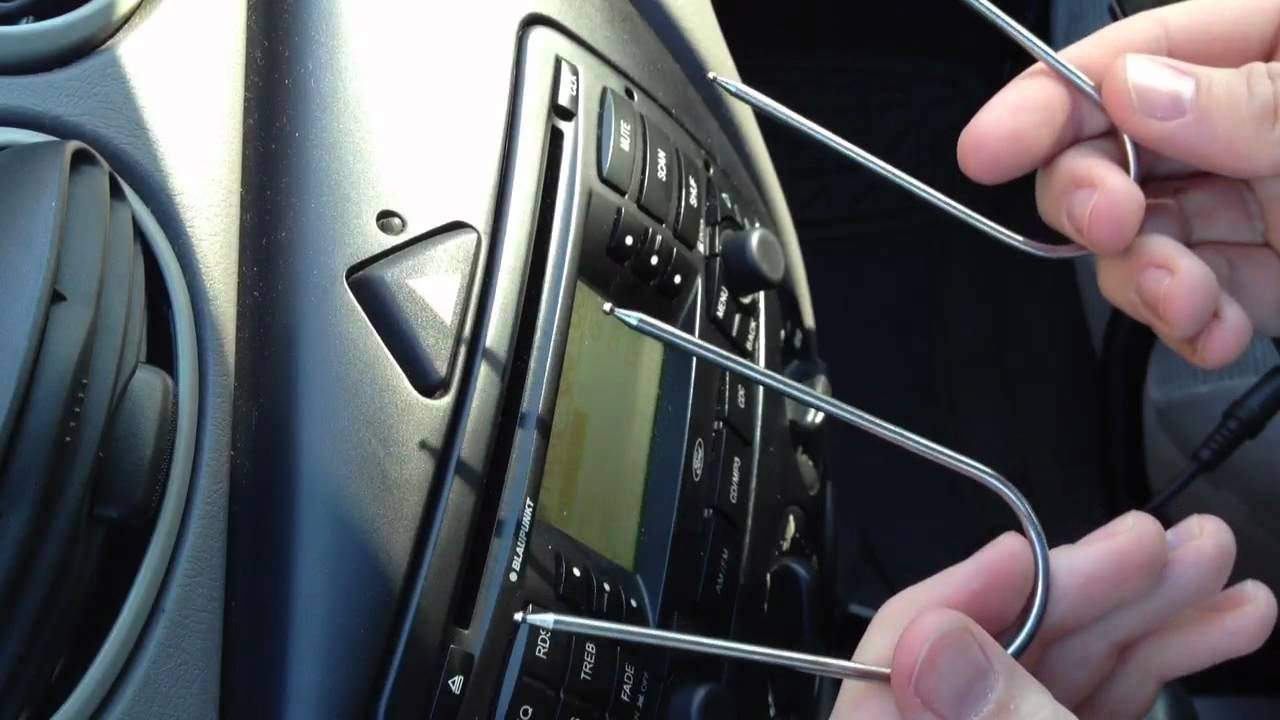 Confirmed: Ford Focus Blaupunkt Stock Radio with AUX input for iPod, iPhone, iPad, ect  YouTube