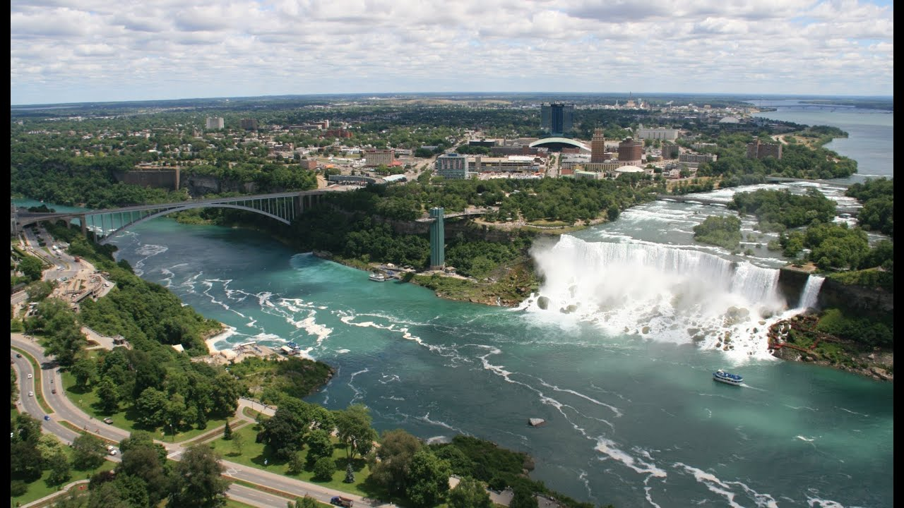 how to get to niagara falls from detroit