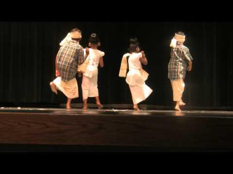 Onam 2011 Bloomington, IL - Nikitha, Kathu, Ryan & Aryan.MTS