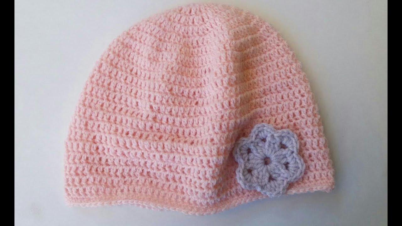 Cappellino con fiore all uncinetto per neonata 4 mesi - YouTube 17080d28f3c8