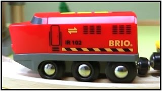 Brio Mega Toy Railway Trains & Toy Car Garage Demo: Kid's Construction Vehicles (chơi Xây Dựng)