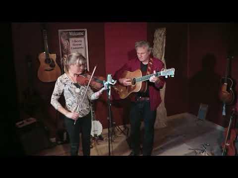 Harvey Reid & Joyce Andersen perform
