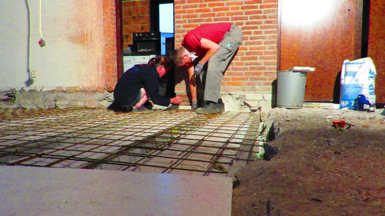 Bepalen van de vloerhoogte bij storten betonvloer - YouTube