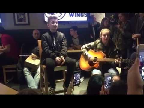 Johnny Orlando- Missing You (live)