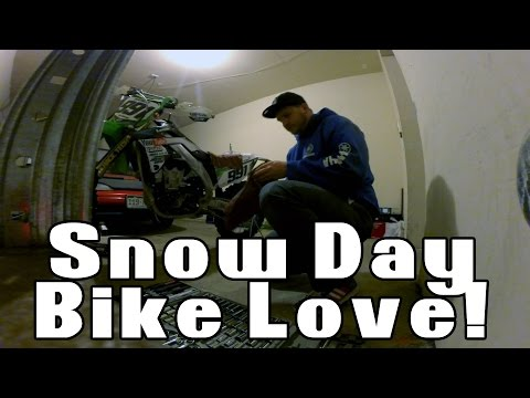 Snow Day Bike Love | Oil Change & Air Filter Cleaning