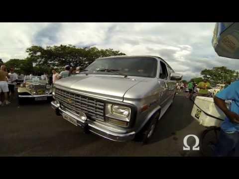 Chevrolet Sport Van - Encontro de Carros Antigos de Brasília (06-04-2013)