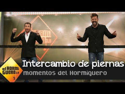 Ricky Martin y Pablo Motos se intercambian las piernas en un baile - El Hormiguero 3.0