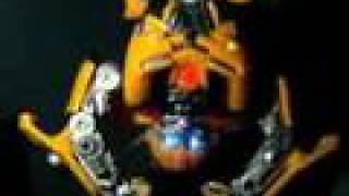 BEBOT MTV - Transformers Beatmix Bumblebee