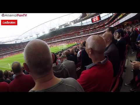 The Emirates Erupts as Giroud's Header Sinks Leicester City | Stadium Cam!!