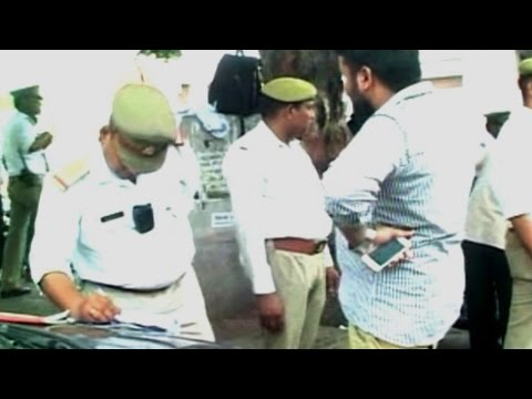 Agra traffic police to use camera-fitted uniforms