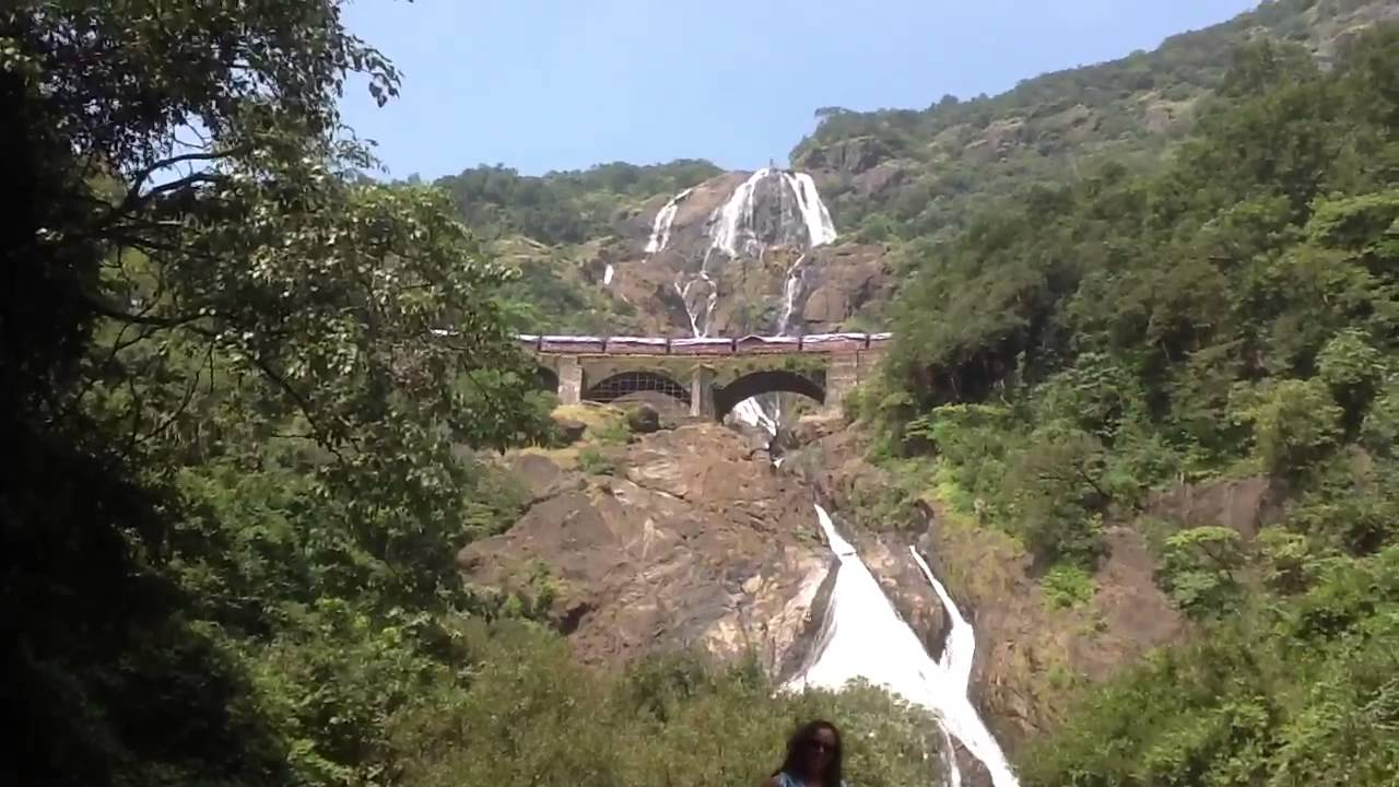 how to reach dudhsagar falls from goa by train