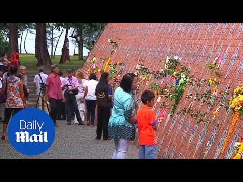 Thailand pays tribute to those lost in 2004 tsunami - Daily Mail