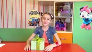 Что мне подарили на праздник. Сладкие подарки. Распаковка подарков. Детский канал. детское видео(Мне всегда бывает интересно какие подарки получают мои подружки. )))Сегодня я вам расскажу о своем))))Идеи..., 2016-03-08T19:57:20.000Z)