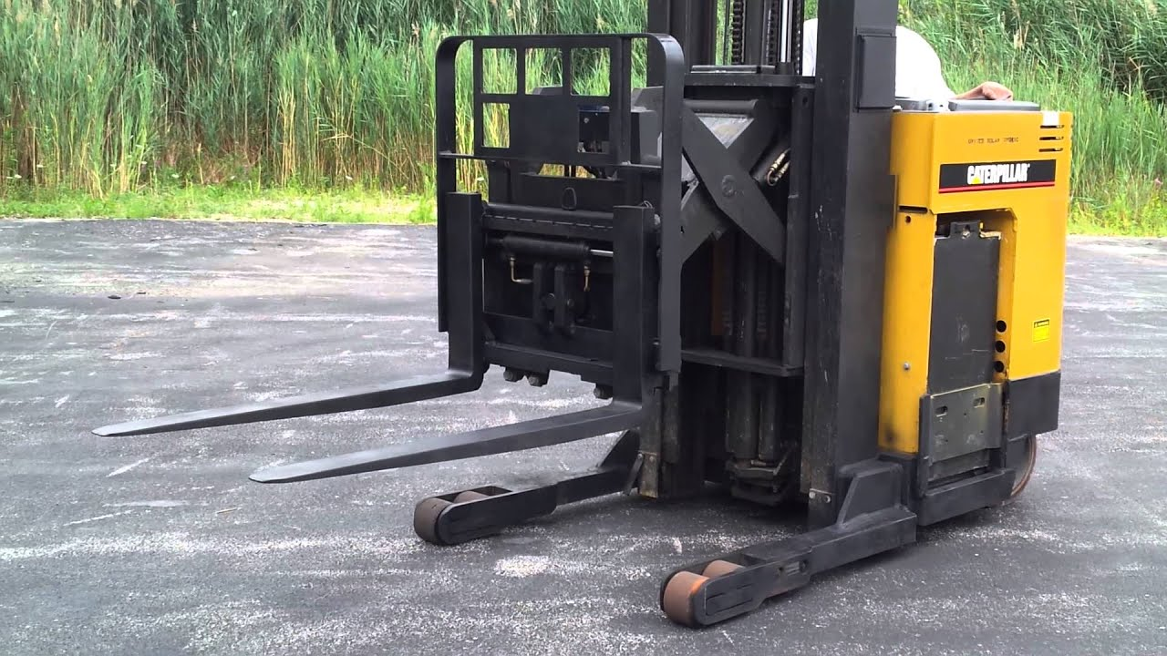 For Sale 2004 Caterpillar Nrr40 Electric Stand Up Reach