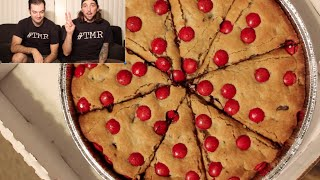 Papa John's Red Kettle Cookie - The Two Minute Reviews - Ep. 426 #tmr