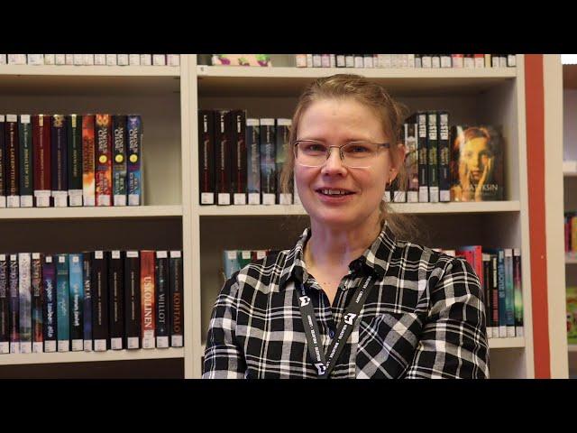 Kirjastonjohtaja - vapaa-aikavastaava Katja Kyllönen