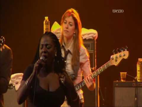 Sharon Jones & The Dap Kings @ Nancy Jazz Pulsations • 2010