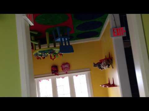 Upside-Down House Niagara Falls
