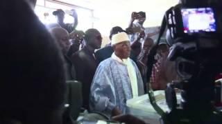 L'ancien président du Sénégal Abdoulaye Wade,vote aux élections législatives (vidéo)