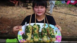 Cooking skills | grilled corn grease - primitive life | survival skills. HT