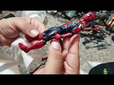 Cleaning my figure shelf: Meet the Spider-men