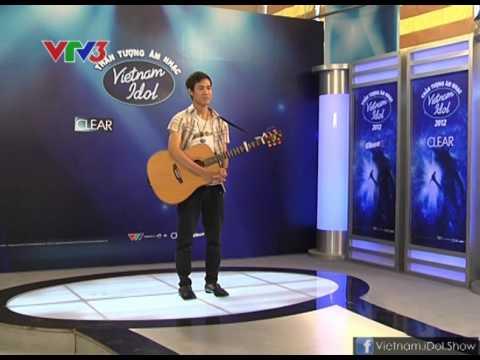 """[Vietnam Idol 2012] Nguyễn Thanh Hưng sáng tác và biểu diễn bài """"Tìm Về Lời Ru"""""""